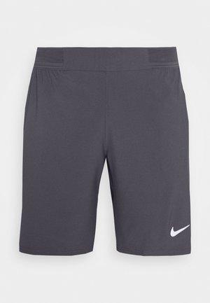 ACE SHORT - Pantalón corto de deporte - gridiron/white