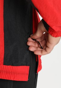 Nike Performance - RETRO - Windjack - university red/black/white - 5