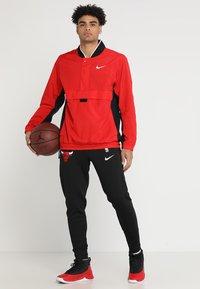 Nike Performance - RETRO - Windjack - university red/black/white - 1