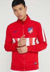 Nike Performance - ATLETICO MADRID - Träningsjacka - sport red/white/white/deep royal blue - 0