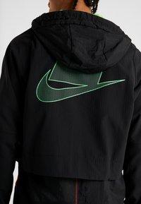 Nike Performance - FLEX - Giacca sportiva - black/electric green - 6