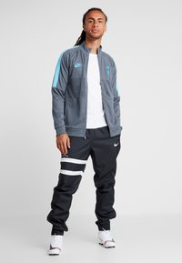 Nike Performance - TOTTENHAM HOTSPURS - Chaqueta de entrenamiento - flint grey/blue fury - 1