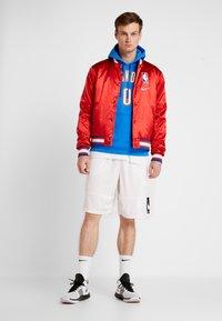 Nike Performance - NBA COURTSIDE JACKET - Trainingsvest - university red/wolf grey/white - 1