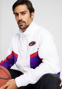 Nike Performance - THROWBACK  - Veste de survêtement - white/court purple/university red - 3