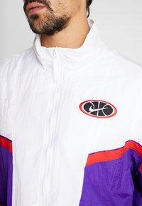 Nike Performance - THROWBACK  - Giacca sportiva - white/court purple/university red - 5