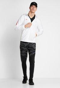 Nike Performance - PARIS ST. GERMAIN  - Veste de survêtement - white/midnight navy/university red - 1