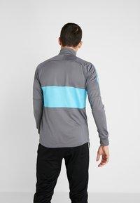 Nike Performance - TOTTENHAM HOTSPURS DRY - Chaqueta de entrenamiento - flint grey/blue fury - 2