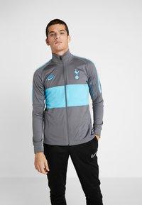 Nike Performance - TOTTENHAM HOTSPURS DRY - Chaqueta de entrenamiento - flint grey/blue fury - 0