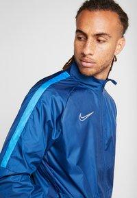 Nike Performance - Sportovní bunda - coastal blue/light photo blue/silver - 5