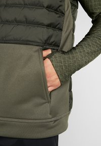 Nike Performance - THERMA VEST WINTERIZED - Waistcoat - khaki/sequoia/black - 5