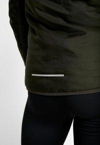 Nike Performance - AROLYR - Training jacket - sequoia/grey fog/silver - 10