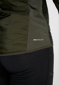 Nike Performance - AROLYR - Training jacket - sequoia/grey fog/silver - 6