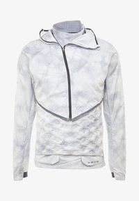 Nike Performance - AEROLOFT 2-IN-1 - Sports jacket - platinum tint/black - 8