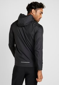 Nike Performance - FLASH AIR - Veste de running - black/reflective silver - 2