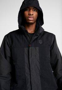 Nike Performance - LEBRON PROTECT - Kurtka Outdoor - black/team orange - 3