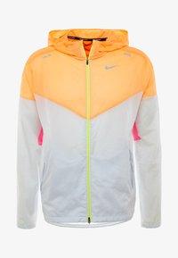 Nike Performance - WINDRUNNER - Windbreaker - pure platinum/total orange/reflective silver - 7