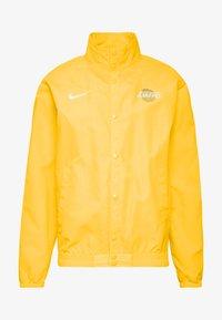 Nike Performance - NBA LOS ANGELES LAKERS CITY EDITION JACKET - Equipación de clubes - amarillo/white - 4