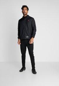 Nike Performance - PSG COACHES - Sportswear - black/infrared - 1