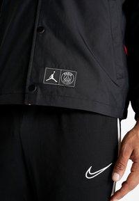 Nike Performance - PSG COACHES - Sportswear - black/infrared - 6