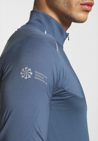 Nike Performance - ELEMENT - Sports shirt - diffused blue/reflective silver - 7