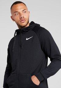 Nike Performance - Sudadera con cremallera - black - 4