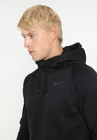 Nike Performance - Bluza z kapturem - black/dark grey