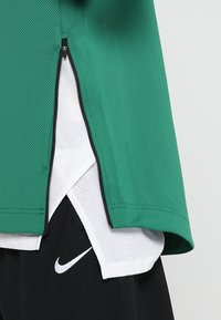 Nike Performance - NBA BOSTON CELTICS THERMAFLEX SHOWTIME HOODY FULL ZIP - Trainingsvest - clover/black/white - 4