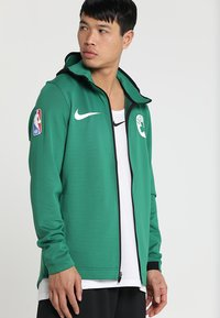 Nike Performance - NBA BOSTON CELTICS THERMAFLEX SHOWTIME HOODY FULL ZIP - Trainingsvest - clover/black/white - 0