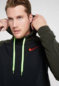 Nike Performance - DRY HOODIE - Jersey con capucha - black/sequoia/electric green/habanero red - 3