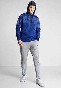 Nike Performance - THERMA - Felpa con cappuccio - blue void/black - 1