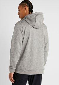 Nike Performance - THERMA - Jersey con capucha - dark grey heather/black - 2