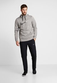 Nike Performance - THERMA  - Jersey con capucha - grey heather - 1