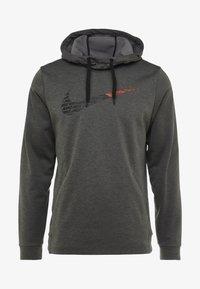 Nike Performance - THERMA  - Hoodie - charcoal heathr - 3