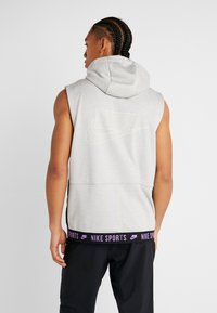 Nike Performance - THERMA SL - Vesta - grey heather/light smoke grey/bright violet - 2