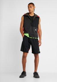 Nike Performance - THERMA SL - Waistcoat - black heather/black/electric green - 1
