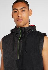 Nike Performance - THERMA SL - Waistcoat - black heather/black/electric green - 3