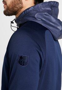 Nike Performance - FC BARCELONA HOODIE - Klubové oblečení - obsidian/rush blue - 6
