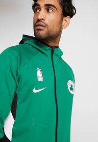 Nike Performance - NBA BOSTON CELTICS THERMAFLEX - Equipación de clubes - clover/black/white - 4