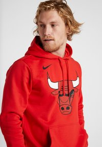 Nike Performance - NBA CHICAGO BULLS LOGO HOODIE - Club wear - university red - 4