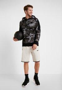Nike Performance - NBA LA LAKERS CAMO HOODIE - Club wear - cool grey/black - 1