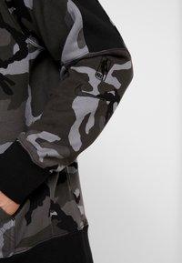 Nike Performance - NBA LA LAKERS CAMO HOODIE - Club wear - cool grey/black - 3