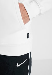 Nike Performance - NFL 100 YEARS NEW YORK GIANTS THERMA HOODY - Hoodie - white/pure platinum - 4