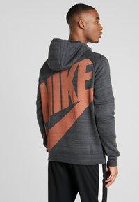 Nike Performance - CHELSEA LONDON HOOD - Pelipaita - anthracite/dark grey/rush orange - 2