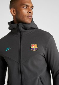 Nike Performance - FC BARCELONA HOODIE  - Sportovní bunda - dark smoke grey/cabana - 5