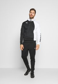 Nike Performance - FC HOODIE - Jersey con capucha - white/black - 1
