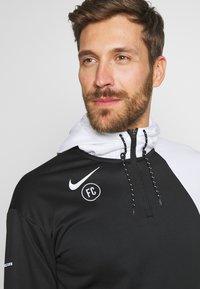Nike Performance - FC HOODIE - Jersey con capucha - white/black - 3