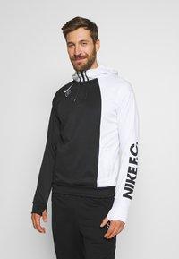 Nike Performance - FC HOODIE - Jersey con capucha - white/black - 0