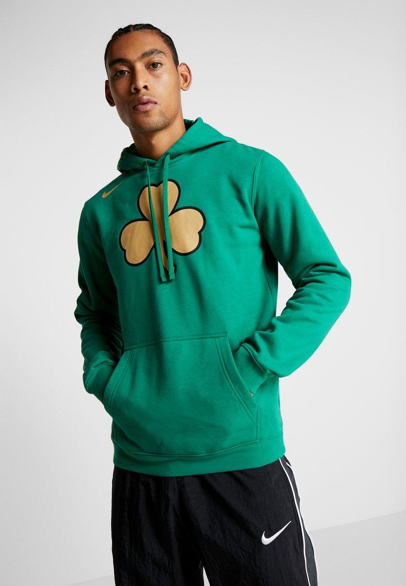 Nike Performance - NBA CITY EDITION BOSTON CELTICS LOGO HOODIE - Club wear - clover