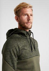 Nike Performance - Jersey con capucha - khaki/black - 3