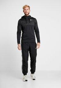 Nike Performance - Jersey con capucha - black/white - 1
